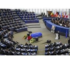 Cérémonie d'hommage à Helmut Kohl